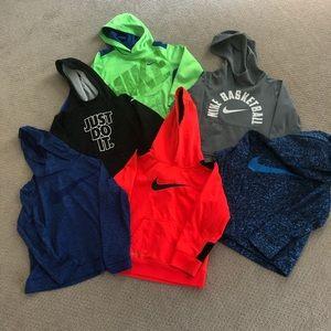 Boys Nike sweatshirts size 6-7 xsmall.